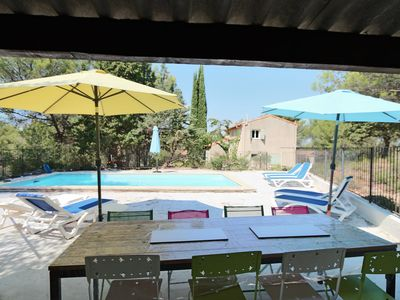 Photo for HOUSE WITH SWIMMING POOL between Aix and Marseille. Quiet area, pine forest.