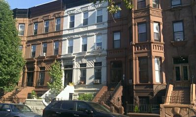 BROOKLYN\'S HISTORIC BROWNSTONE STUDIO APARTMENT - Brooklyn