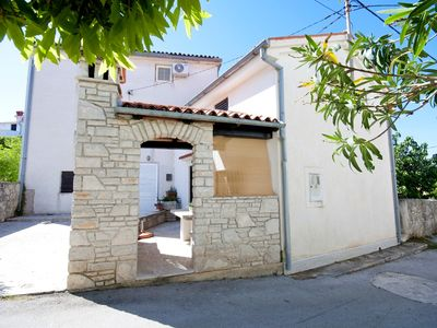 Photo for Holiday home Vlasta, (15280), Premantura, Pula riviera, Croatia