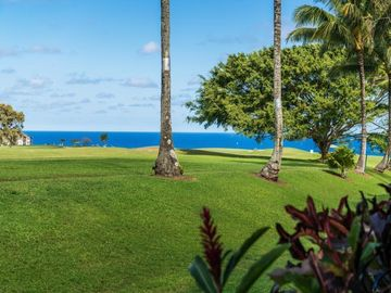 Gorgeous  Townhouse on Golf Course with Great Ocean View--Awesome Reviews