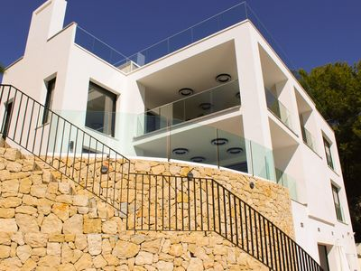 Photo for Beautiful, modern and well equipped 5 bedroom 5 bathroom villa with sea views