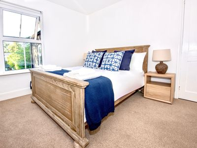 Photo for Smart 2 bed Cambridge house with garden
