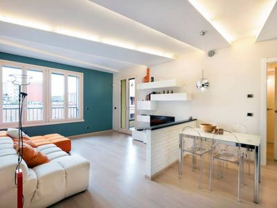 Photo for Shiny & Cozy apt. with spacious terrace in Navigli Area