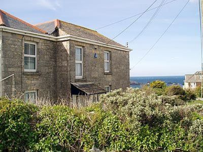 Photo for 4 bedroom property in Newquay.