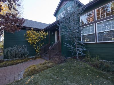 Photo for Alpenglow`s West Brook Meadows, Free WiFi A/C Easy access to downtown Mt. Bachelor Ski Resort