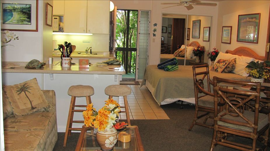 Ambiance Of Old HawaiiComforts Of Home HomeAway Lahaina - Comforts of home furniture