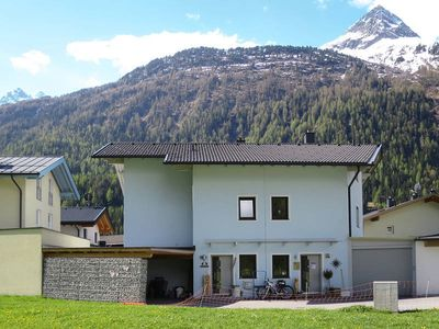 Photo for Vacation home Haus Laura  in Längenfeld, Oetz Valley / Ötztal - 10 persons, 3 bedrooms