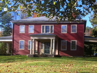 Elegant Historic House Close to Blue Hill Village and Barncastle
