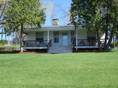 Lovely Cottage, Completely Remodeled Two Bedroom One Bath Can Accommodate Six.