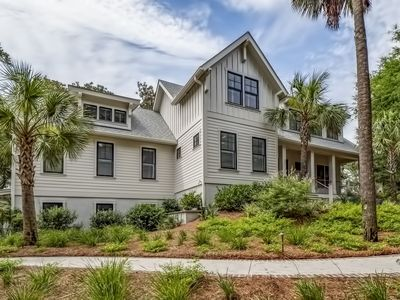 Photo for Beautiful Marsh Front Home! 4BR/4BA Sleeps 12!  Amenity Cards Included!