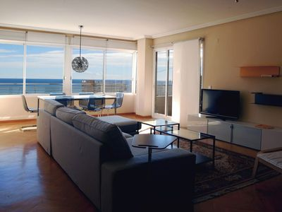 Photo for Apartment with 4 bedrooms, central, 200 m. from the sea and 500 m from the center.