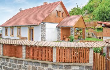 Search 457 holiday lettings