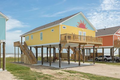 Solana New! Beachfront   4 BR, 3 BTH, Gourmet kitchen, Beachfront  Awesome  Deck  - Galveston County