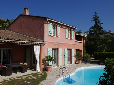 Photo for Spacious villa, large swimming pool, calm, Green, ideal for families
