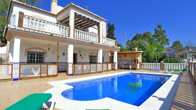 Photo for Spacious, detached holiday villa in Nerja with large private pool.