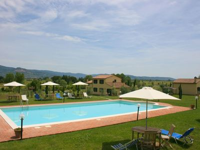 Photo for Villa for 20 persons with large green garden, private pool, Satellite-Tv and air-conditioning. 4 km