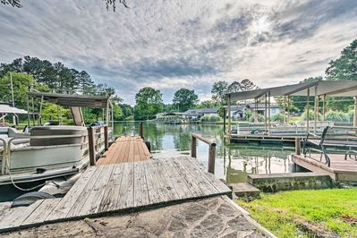 Explore the Ouachita River right in your backyard at this Hot Springs property.