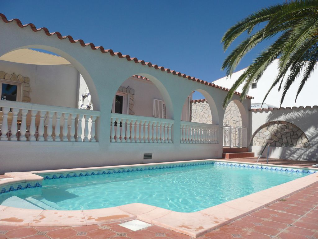Superb Location Vacances Villa Empuriabrava: Marina Can Ramon Piscine Et Terrasses