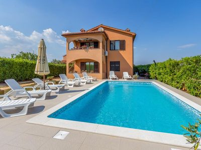 Photo for Large villa with private pool, 6 bedrooms, air conditioning, WiFi, pets allowed, terrace, garden and barbecue