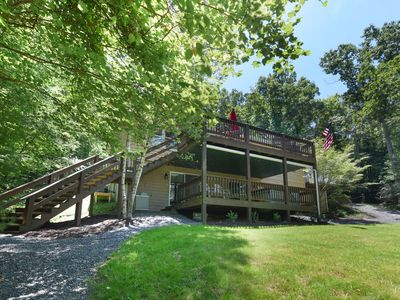 Photo for Waterfront Hideaway- 4 Bedroom Lakefront Home along Quiet Cove of the Lake