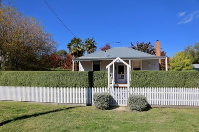 Road view of Beechworth Holiday House