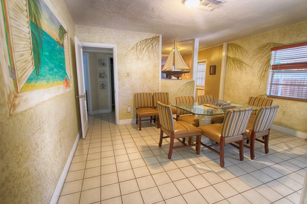 Vacation Rental Home With Private Pool In Clearwater Beach Thanksgiving Deals Clearwater Beach