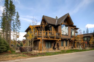 Located in the heart of one of the most desirable Breckenridge neighborhoods