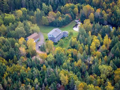 This is an aerial view of the property and shows the B&B.