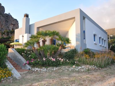 Photo for Villa sunset, a stone's throw from the sea,