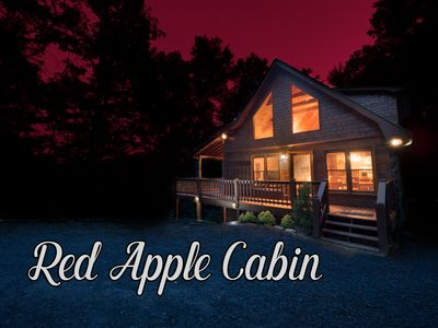 Photo for 🍎Red Apple Mountaintop Cabin 💦 hot tub, 📶WiFi, 🐶 friendly, Fireplace, 🔥 pit