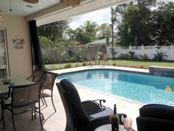 Newly Renovated Home For 6-8 With South-Facing Heated Pool