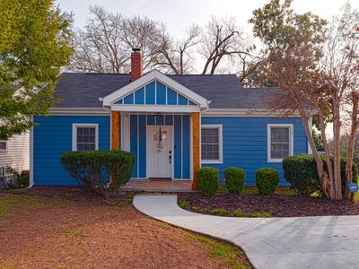 Open Hearth Cottage- 3 miles to Downtown + Furman│Pet Friendly │Free Wifi