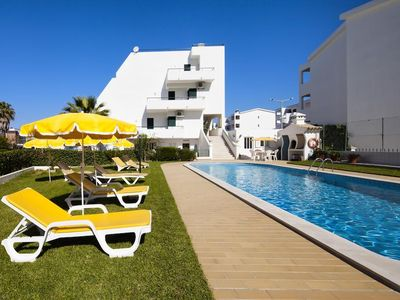 Photo for Studio in private residence with sea view and pool 400 m from the beach