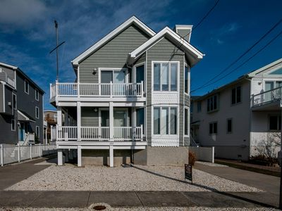 Photo for ATTRACTIVE AVALON TOWNHOUSE! Close to all activities including the beach, town and tennis!