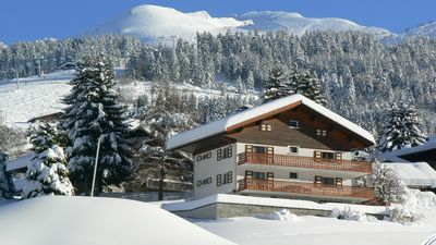 Photo for Apt. 7 people(WIFI), Sit. exceptional pied pistes, 500m village-terrace + balcony