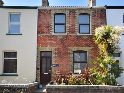 Photo for Quay Cottage, WEYMOUTH