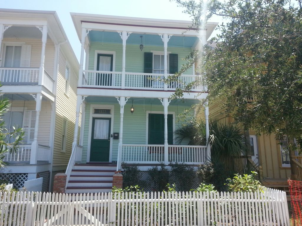 Southern Krause House 3 Bedroom 2 Bath Historic Home