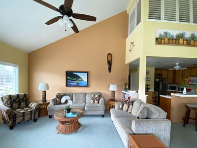 Photo for Regency 523: Free Mid-Size Car, Top Floor Condo, Next To Pool, Short Walk To Bea