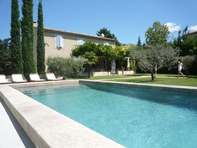 Photo for Charming Provencal Mas quiet with swimming pool 8 minutes walk from the center