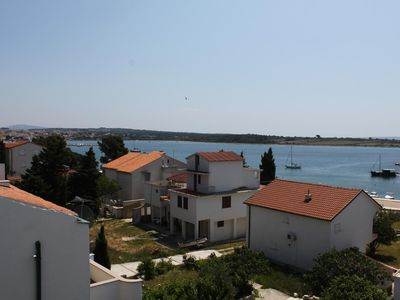 Photo for One bedroom apartment with balcony and sea view Novalja, Pag (A-6317-e)