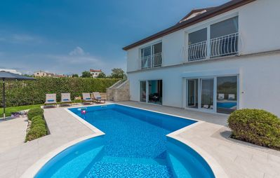 Photo for Luxury Villa Lavanda with Pool, Sauna and Entertainment Room