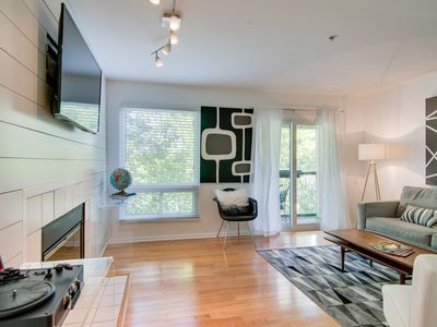Photo for Cool Little Downtown Condo on the River! Free Parking and Close to Everything!!