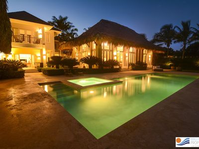 ASTOUNDING TROPICAL BEACH AND GOLF FRONT BEAUTY