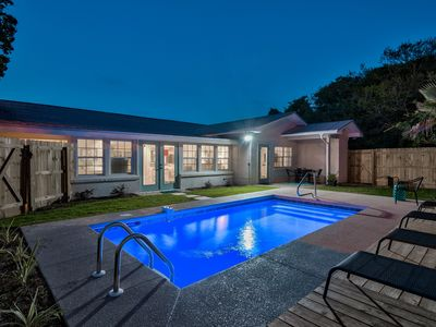 SEABREEZE- PRIVATE POOL-SMALL DOGS OK-3 MIN WALK TO GATED BEACH!!