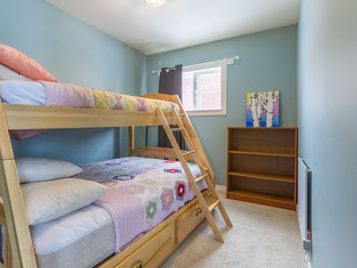 Photo for Two bedroom cabin with great location close to amenities and silver star!