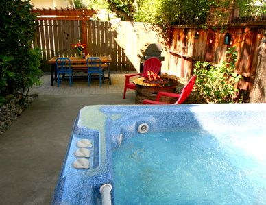 Photo for Paddler's Paradise Hot Tub!Walk to Beach!
