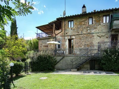 Photo for Apartment with a lovely terrace at the heart of Tuscany for all artcities