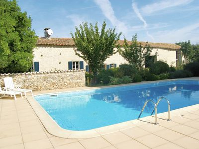 Photo for Wonderfully quiet, charming house with large private swimming pool in Saint-Macoux