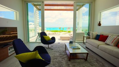 Photo for Beachfront Modern Beautiful Villa with private courtyard and pool in Exuma