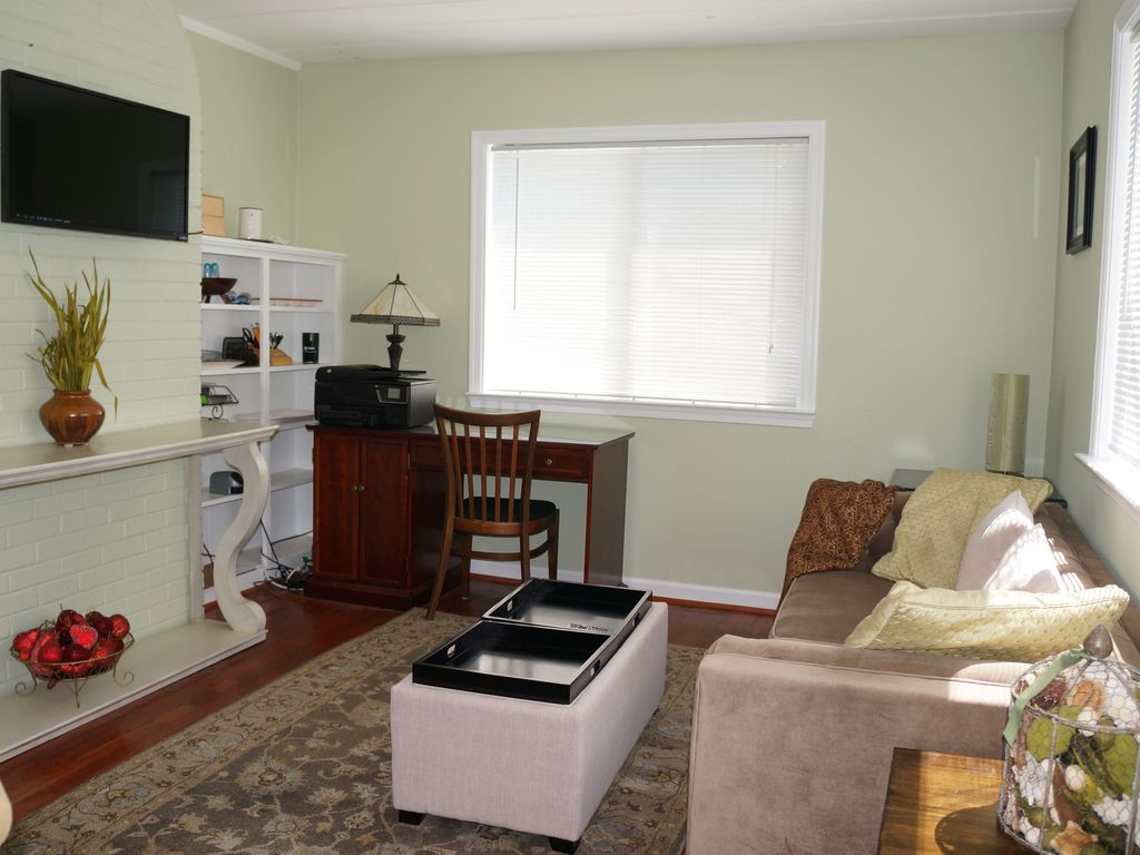 single family home fully furnished with 2 kitchens falls